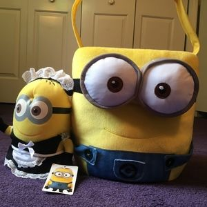 UNIVERSAL DESPICABLE ME LGE. MINION BASKET & PLUSH